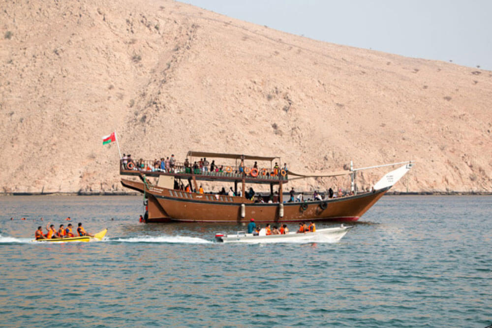 dhow cruise city tour